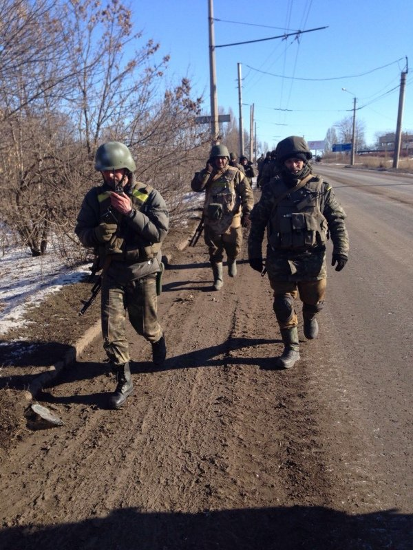 Soldiers leaving Debaltseve. Photograph by Anastasia Stanko